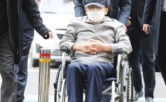 """'코로나19 방역방해' 이만희 '무죄'...법원 """"명단요구 역학조사 해당 안돼"""""""